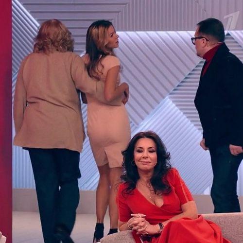 Певцу вадиму казаченко стало плохо из-за перепалки его жен в шоу «пусть говорят»