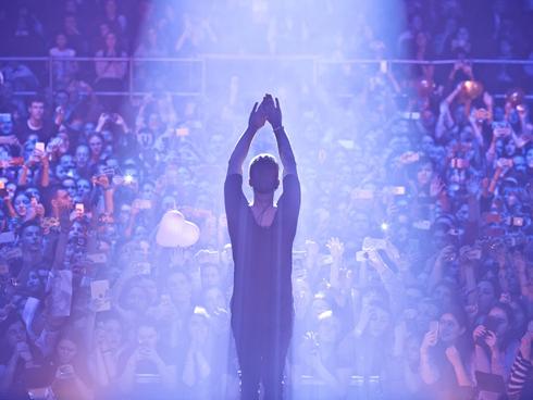 Почему егор крид плакал во время своего концерта?
