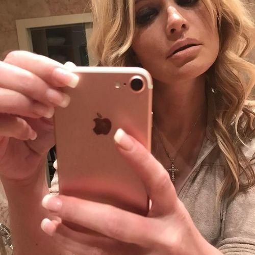 Подруга даны борисовой: «у нее никто насильно не отбирал паспорт и телефон!»