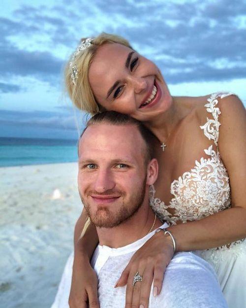 Подруга пелагеи обнародовала эксклюзивное свадебное фото певицы