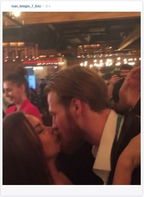 Появилось фото мужа пелагеи ивана телегина, целующего незнакомую брюнетку