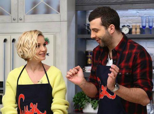 Полина гагарина призналась, что дома готовит муж