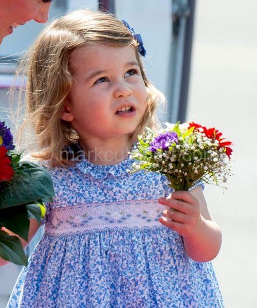 Принцу джорджу три года: как сын кейт миддлтон и принца уильяма покорил мир