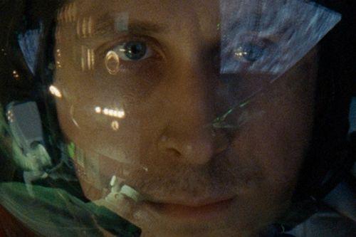 Райан гослинг получил сотрясение мозга во время съемок байопика о ниле армстронге