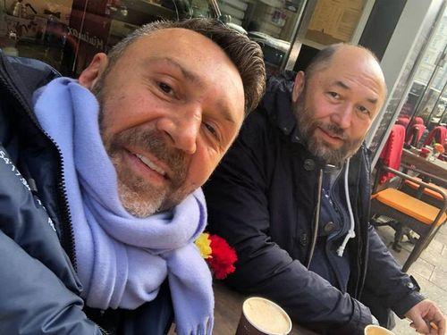 Сергей шнуров заявил, что выдумал новость о совместном с тимуром бекмамбетовым фильме