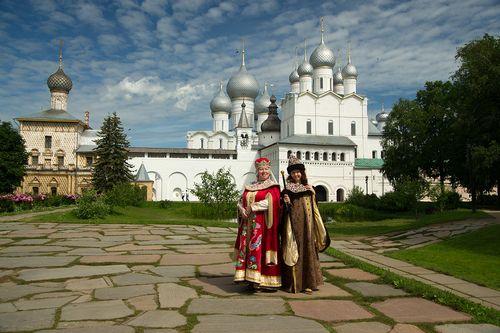 Шопинг, отдых и любовь: звездные парочки в обзоре spletnik.ru