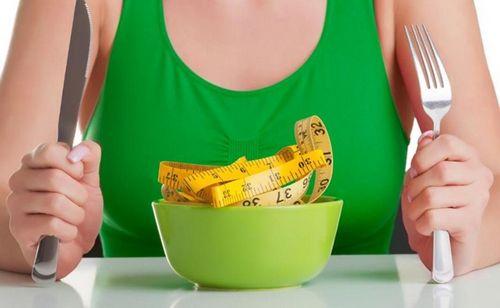 Специалисты «центра косметологии» развеивают мифы о похудении.