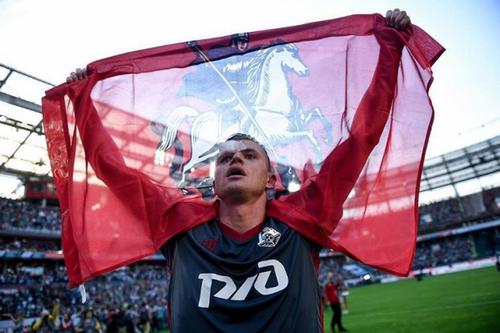 Спортивный портал признал дмитрия тарасова худшим полузащитником