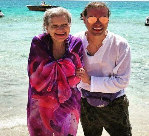 Свадьба гогена солнцева с пенсионеркой довела его мать до инсульта
