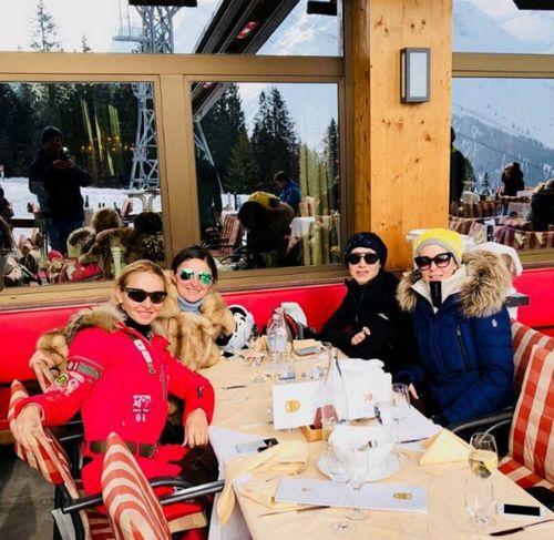 Татьяна навка похвасталась успехами 3-летней дочери в горнолыжном спорте