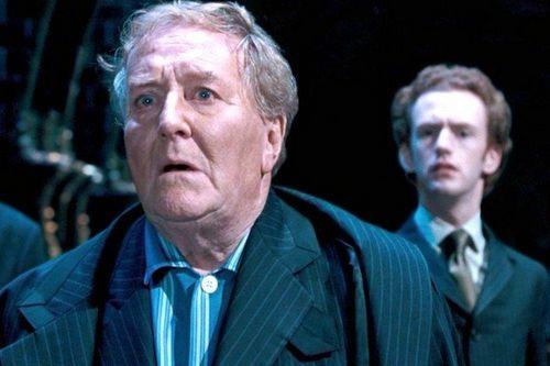 В британии в возрасте 91 года ушел из жизни «министр магии» роберт харди