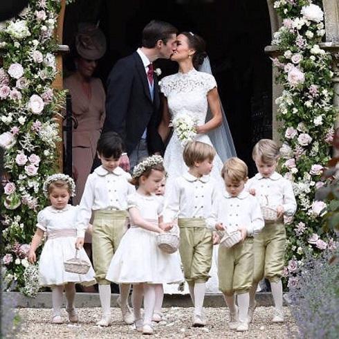 В великобритании состоялась свадьба года — младшая сестра кейт миддлтон вышла замуж