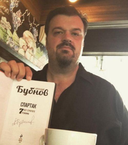Василий уткин вернется на канал «матч тв»
