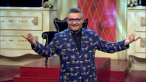 Ведущий «модного приговора» александр васильев спел в итальянском кафе песню про зайцев