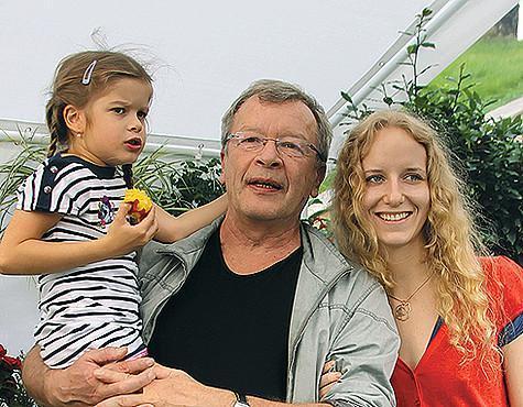 Виктор ерофеев: «внучка у меня будет старше, чем дочка»