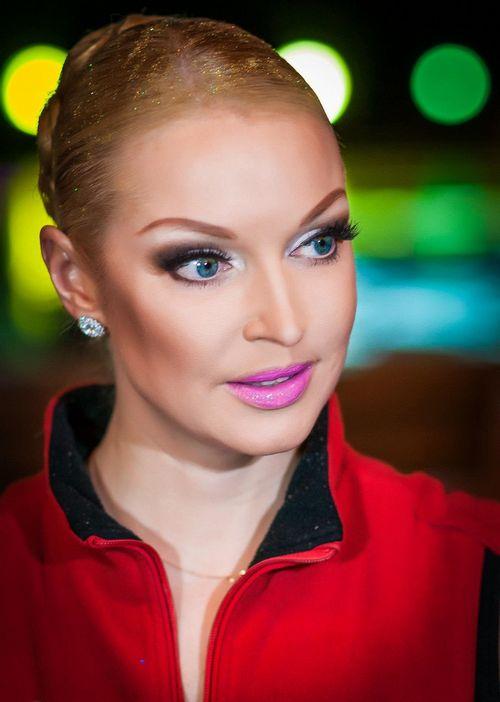 Волочкова призналась в романе с личным водителем