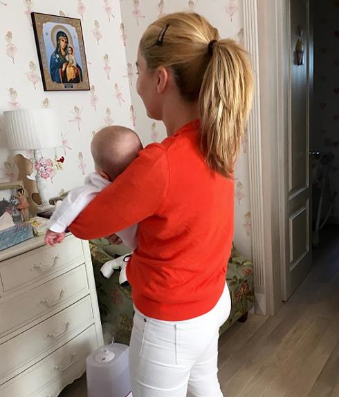 Жена николаева показала подросшую дочь