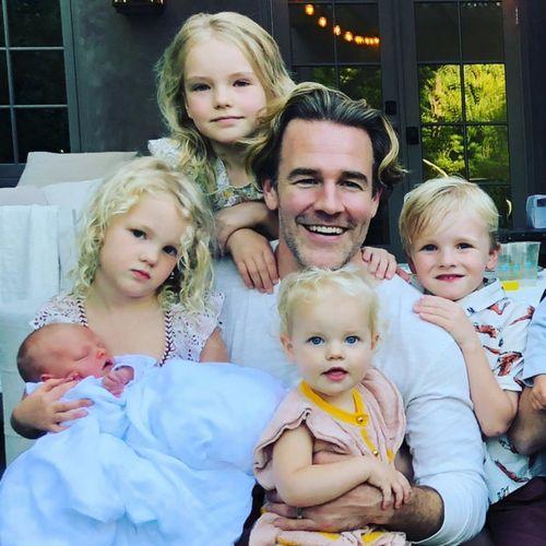 Звезда «бухты доусона» джеймс ван дер бик стал отцом в пятый раз