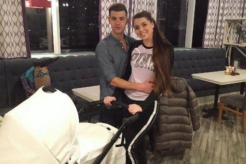 Звезда «дома-2» оля рапунцель пришла в ресторан с новорожденной дочерью