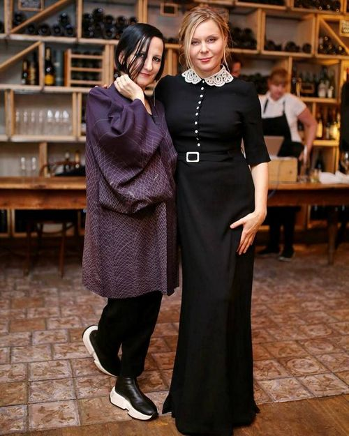 Звезда сериала «ольга» яна троянова отметила 45-летие в кругу коллег